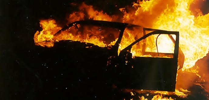 autunno-caldo-rodi-garganico-4-auto-a-fuoco-nella-notte
